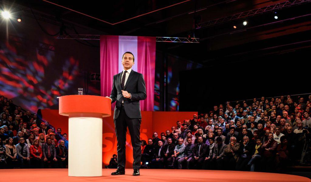 Rede von Christian Kern (SPÖ) in der Messehalle in Wels