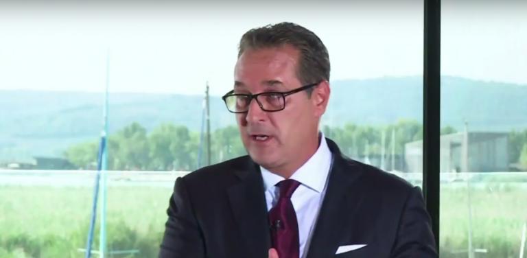 Heinz-Christian Strache im Bürgerforum bei OE24